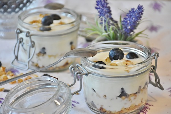 yoghurt or an non-dairy alternative is good for the intestines
